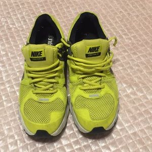Nike Structure 15 Shoes